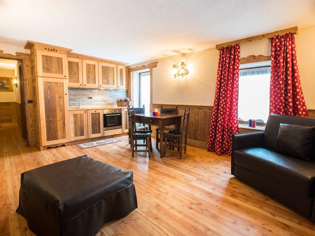 Apartment Stella Alpina - Living Room Kitchen